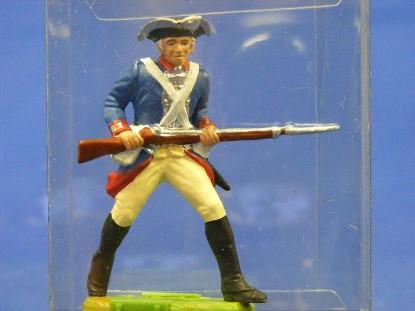 rev.-war-soilder-carrying-rifle-elastolin-by-preiser-ELA7340
