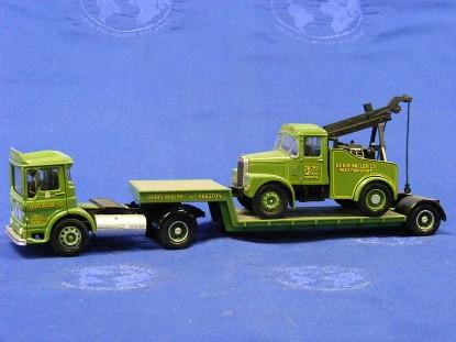 aec-ergom-semi-lowboy-tow-truck-chris-miller-corgi-COR31003