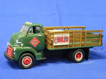 1952-gmc-full-rack-stake-truck-railway-express-ag.-first-gear-FGC1096