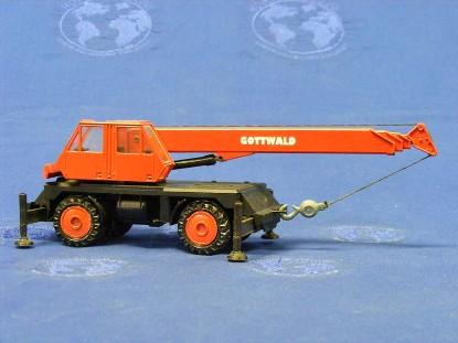 gottwald-telescopic-truck-crane-red-conrad-CON2074