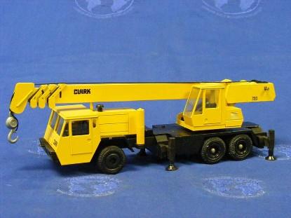 clark-720-3-axle-truck-crane-conrad-CON3073