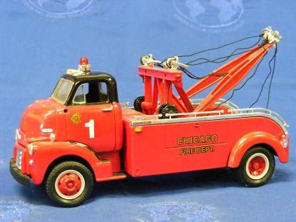 1952-gmc-heavy-duty-wrecker-chicago-fire-dept.-first-gear-FGC1050