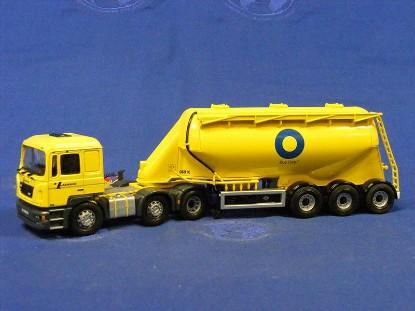 erf-ecs-feldbinder-blue-circle-cement-corgi-COR12709