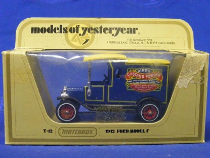 1912-ford-model-t--bird-s-custard-powder-matchbox-yesteryear-MMYY12B