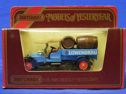 1918-crossley-beer-lorry---lowenbrau-matchbox-yesteryear-MMYY26