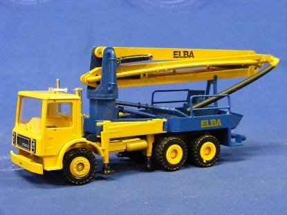 mack-concrete-pumper-elba--conrad-CON3681