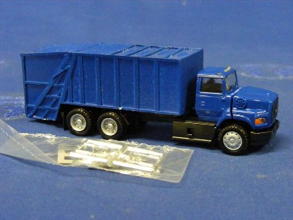 ford-garbage-truck-herpa-HER450160