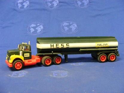 1974-hess-tanker-truck-hess-HES1974
