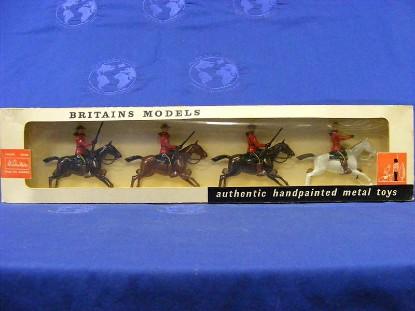 canada-r.c.m.p.-mounted-set-of-4--britains-BRI9256
