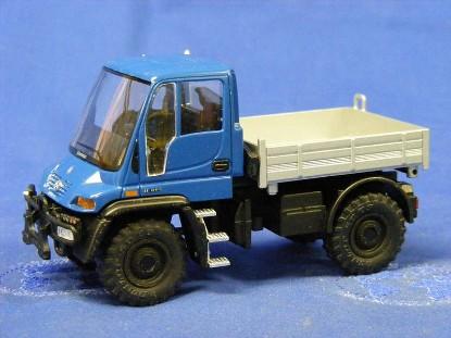 unimog-red-or-blue-cab-nzg-NZG465