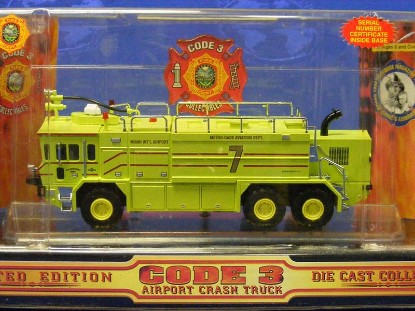 oshkosh-crash-truck--metro-dade-miami-int.-code-3-collectibles-COD12154