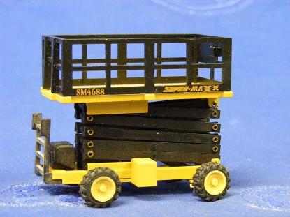 grove-sm4688-scissor-lift-platform-nzg-NZG374