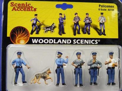 policemen-5-men-1-dog--woodland-scenics-WDS2736