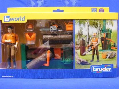 logging-set-with-man-and-accessories-bruder-BRU62650