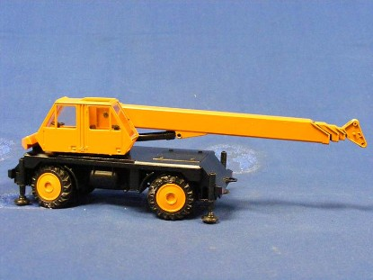 gottwald-telescopic-truck-crane-orange-conrad-CON2074.2