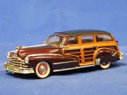 1948-pontiac-streamliner-eight-de-luxe-wagon-conquest-models-CQM27