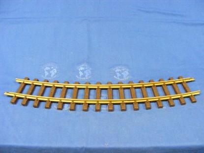 curved-track-large-radius-inside-curve-18--lgb-LGB04