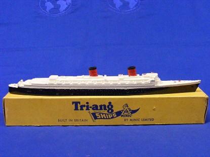 hms-queen-elizabeth-passenger-liner-triang-minic-ships-TMS702E