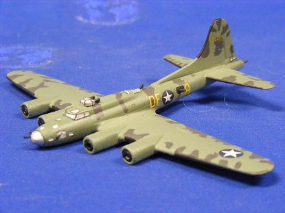 b-17f-memphis-belle--skytrex-airshow-miniatures-SKY580B