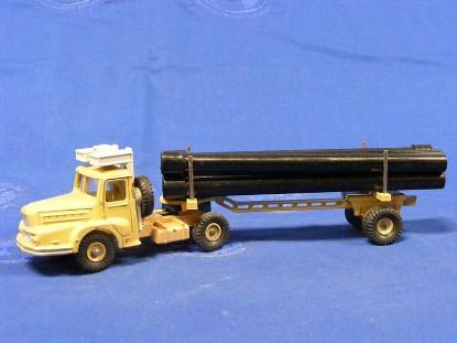 unic-sahara-oilfield-pipe-truck-dinky-DIN893