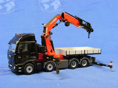 iveco-stralis-8x4-as2-with-fassi-f1300-crane-wsi-WSI04-1090