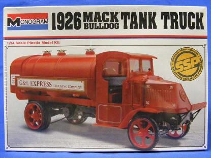 1926-mack-bulldog-tank-truck-revell-REV85-7539