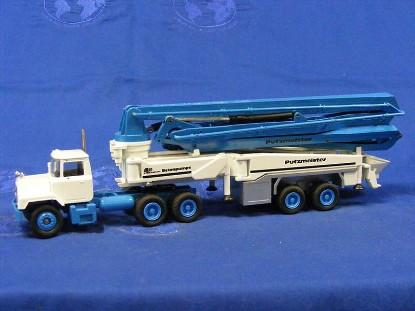 mack-putzmeister-m52-semi-concrete-pump-conrad-CON3606