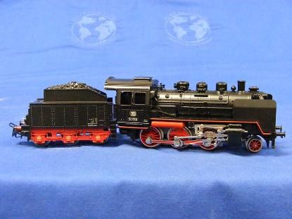 br-24-steam-locomotive-and-tender-marklin-MRK3003