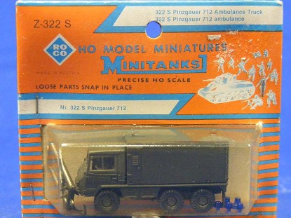 ambulance-truck-roco-ROC322