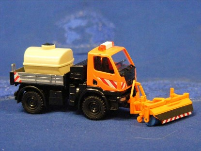 unimog-u20-urban-service-w-sweeper-wiking-WIK64639