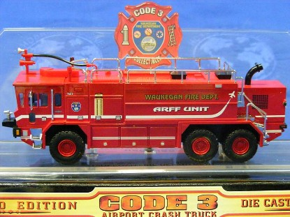 oshkosh-crash-truck--waukegan-fire-dept.-code-3-collectibles-COD12158