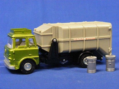 bedford-refuse-truck-metallic-green-cab-dinky-DIN978.1