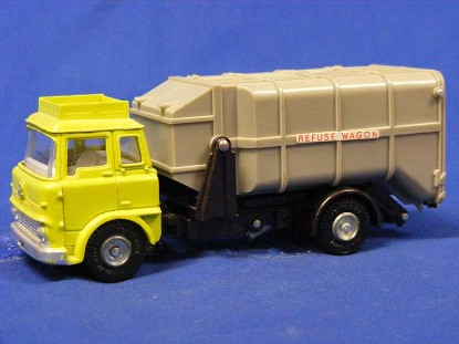 bedford-refuse-truck-greenish-yellow-cab-dinky-DIN978
