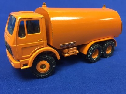 Picture of MB street sweeper 3 axle - Schorling