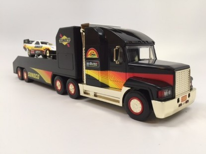 Picture of 2000 Sunoco Pro-Stock transporter - GOLD