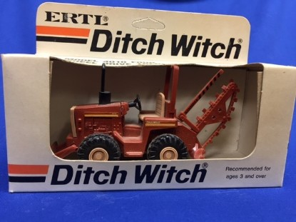 Picture of Ditch Witch 4010 trencher with blade
