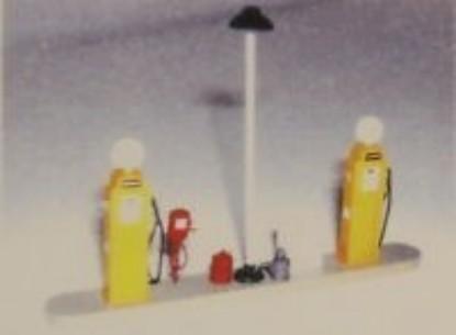 Picture of Gas Island Set- 1940's Pumps - Gulf/Esso