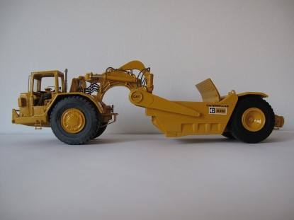 Picture of 631D scraper  cab  new yellow