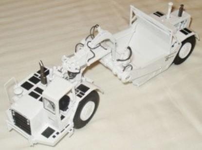Picture of 637D scraper  ROPS  white
