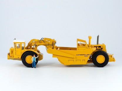 Picture of 637D scraper with cab  old yellow