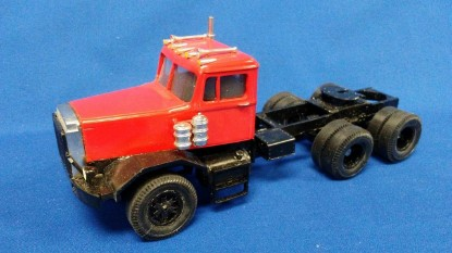 Picture of Autocar 3-axle Tractor red