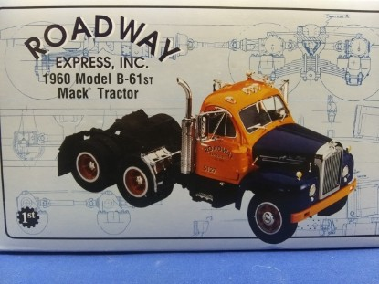 Picture of 1960 Model B-61 Mack Tractor ROADWAY EXPRESS