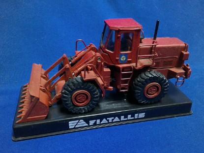 Picture of Fiat-Allis FR20 wheel loader - red  fire version