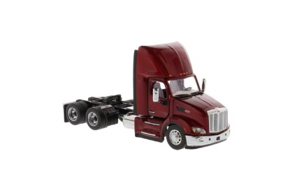 Picture of Peterbilt  579 tractor - red
