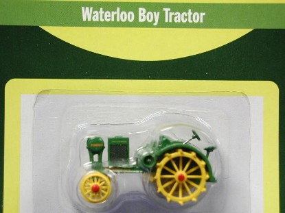 john-deere-waterloo-boy-tractor-athearn-ATH7702
