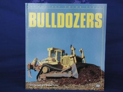 bulldozers-80-color-photos--BKS119927