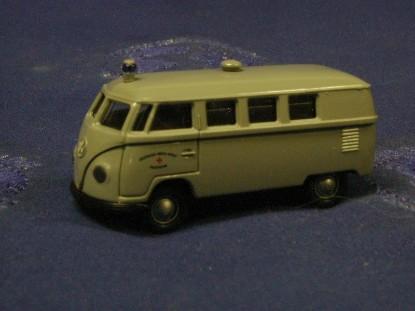 vw-krankenwagen-police-brekina-BRE31700