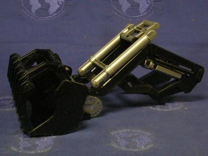 frontloader-accessory-w-grab-shovel-bruder-BRU02005