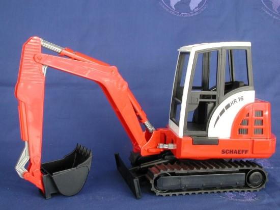 schaeff-mini-excavator-hr16-bruder-BRU02432