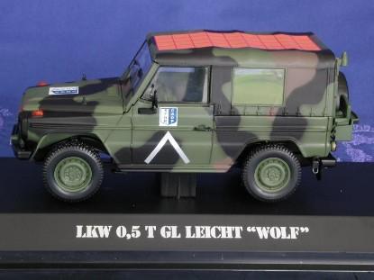 mb-wolf-1-2-ton-military-car-sfor-green-camo.-bub-premium-classixxs-BUB19002